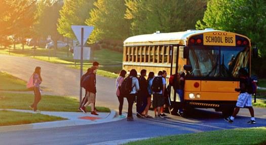 kids-getting-on-bus